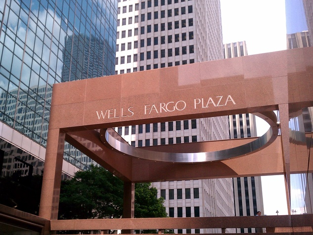 Wells Fargo Plaza downtown Houston