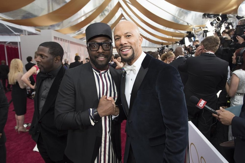 will.i.am and Common on the red carpet at the Oscars