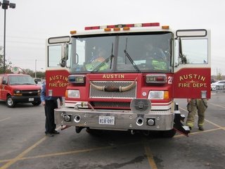 Austin photo: News_ryan lakich_turkey fryer_november 2011_fire truck