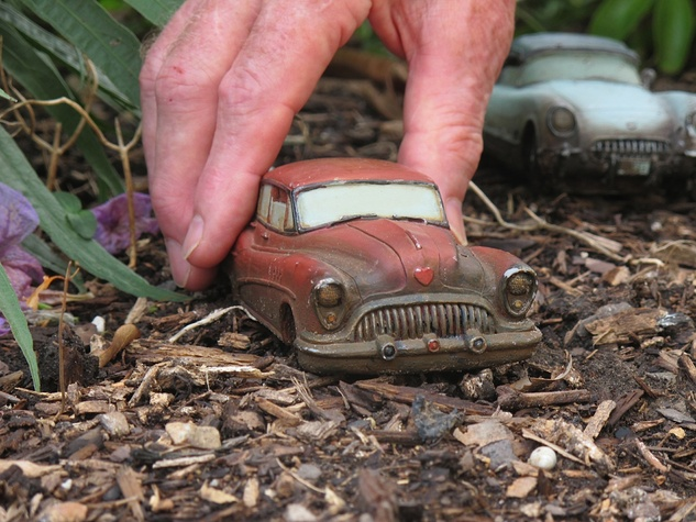 5. Katie Oxford Willem Kegge garden August 2014 Miniature cars made of concrete