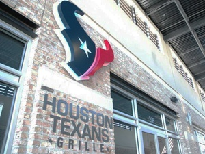Houston Texans Grille, sign