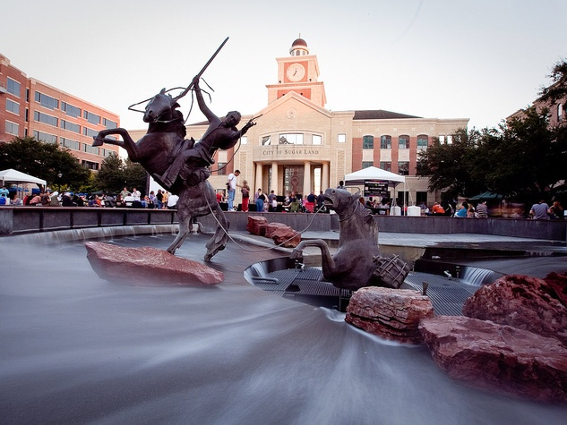 Sugar Land, Town Square, sculpture, fountain