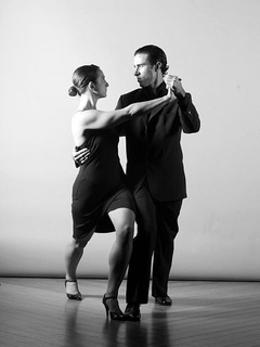 Austin Photo Set: News_Shelley Seale_esquina tango_jan 2012_gustav and monica