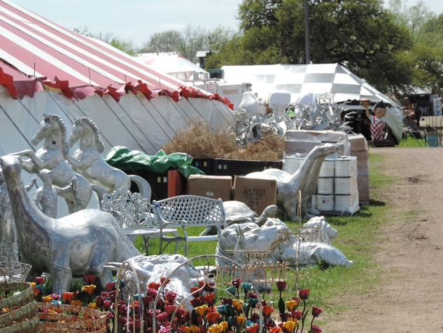 Tarra Gaines Antique Week beginner's guide March 2015 lawn art