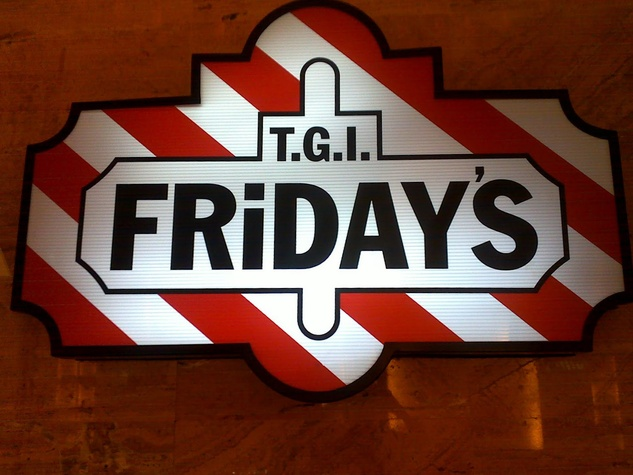 T.G.I. Friday's, neon sign, night
