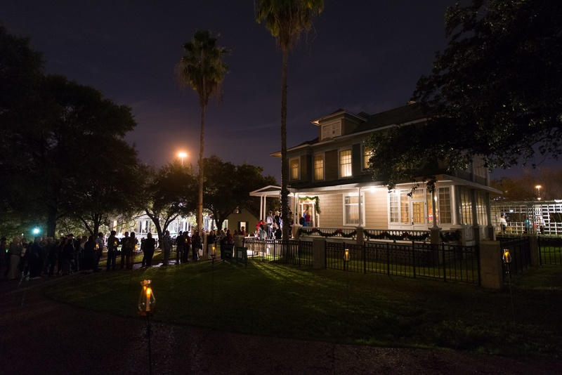 Slideshow your weekly guide to houston five plus don 39 t miss events jewish christmas fun - Villa de matel houston tx ...