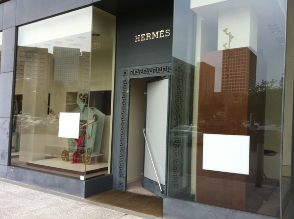 News_Hermes_repaired door_Dec 2011
