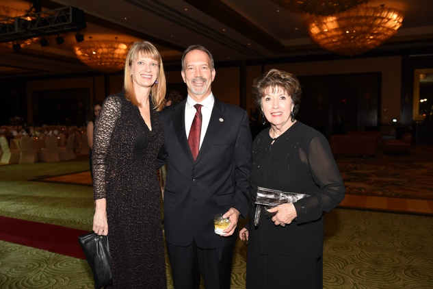 Nora's Home Gala 2015 Jamie and Kevin Myer, Barbara Gretzer