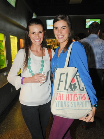 9941 Jackie Rapp, left, and Jenna Rapp at the Scales and Cocktails Houston Zoo Flock event