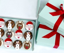 Crave Holiday Cupcakes