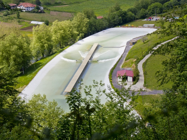 Wavegarden_surfing_wave pool_aerial_Spain_2015