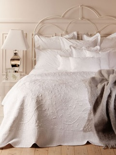 Luxe for less zara home comes to the usa with low cost for Chambre a coucher usa