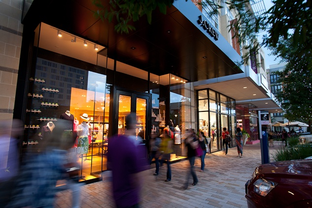 CITYCENTRE_night shot_J Crew_shopping