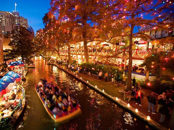 The very best holiday light displays in San Antonio and beyond ...