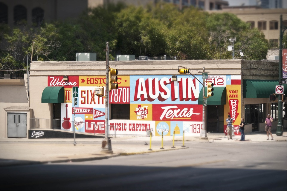 Sanctuary printshop goes on a night mission to give sixth for Austin mural location