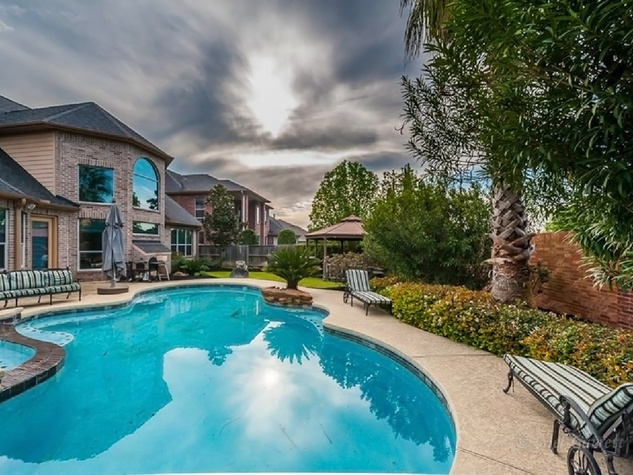 On the Market Vince Young Royal Oaks house 12006 Legend Manor Drive October 2014 swimming pool 2