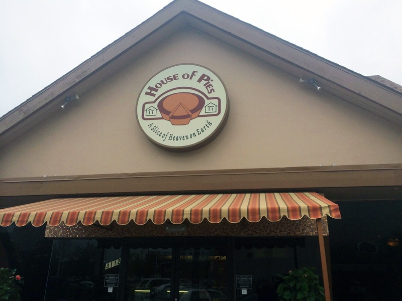 2 House of Pies reopens after fire April 2014