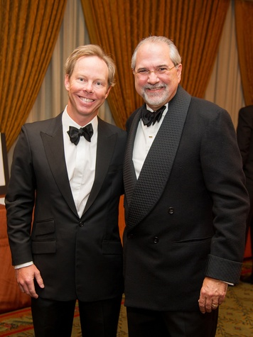 12 John Evans, left, and Bob Cavnar at the Alley Theatre's Wild Things dinner November 2013