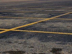 News_empty_parking lot