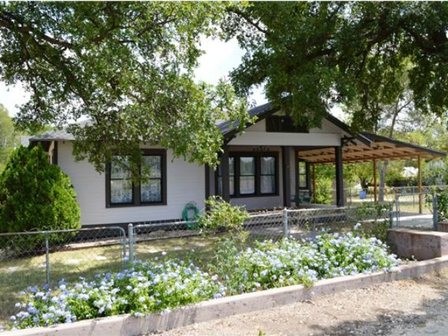 5007 Pecan Springs Rd Austin home for sale