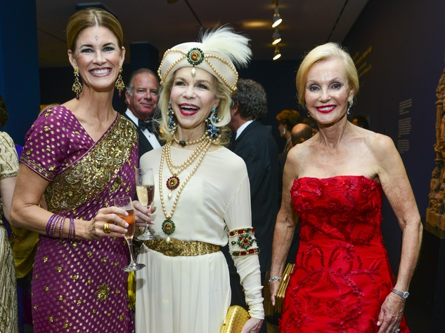 23 Carson Seeligson, from left, Lynn Wyatt and Pat Breen at the MFAH Grand Gala Ball October 2013
