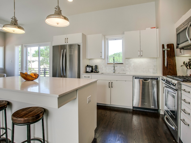 Slideshow new dallas townhome caters to young - Capital kitchen appliances ...
