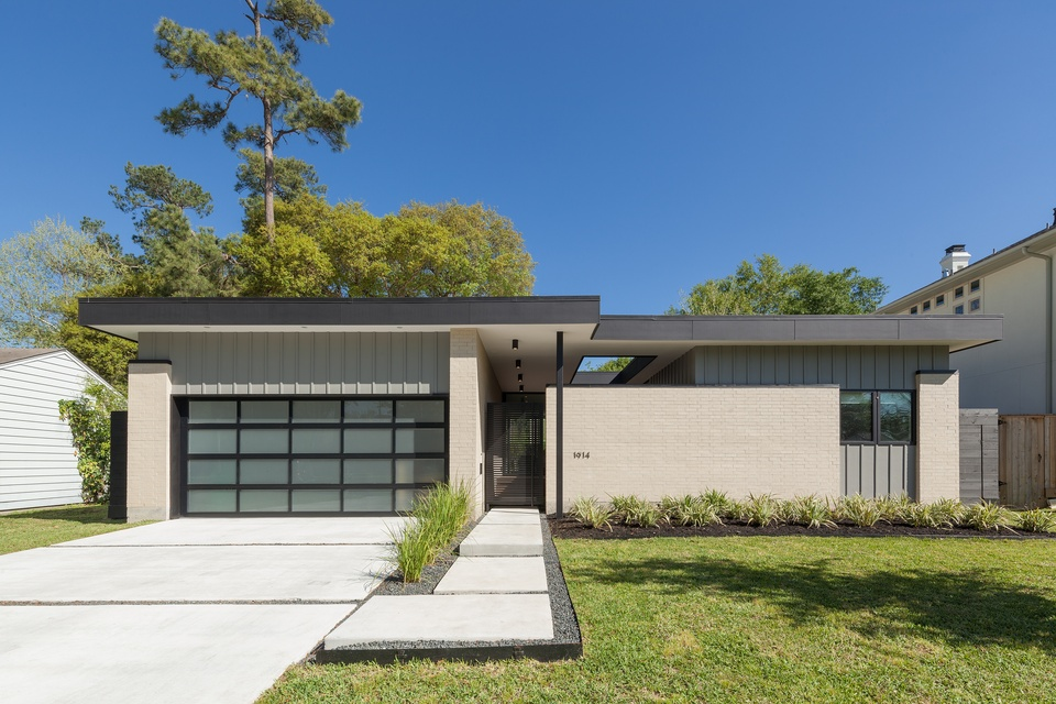 AIA Houston Home Tour 1914 Ebony studioMET: Pavilion Haus