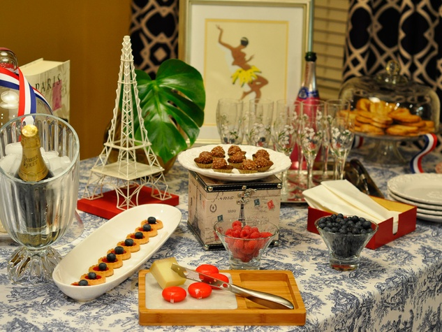 Bastille Day, food, table setting