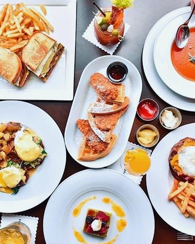 The 9 best houston restaurants open for christmas day for Best brunch in milano