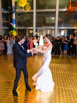 Art-loving couple's Dallas wedding was a glamorous night at the museum