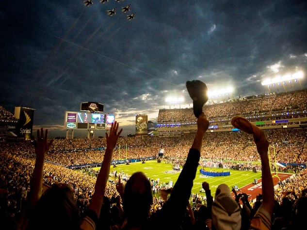 Super Bowl, football game, crowd, fans, stadium
