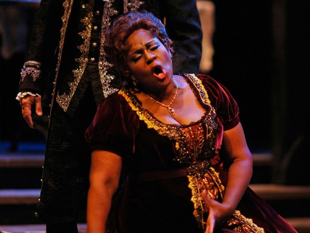 opera singer in Austin Lyric Opera production of Puccini's Tosca