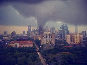 News_Dallas tornado_April 2012