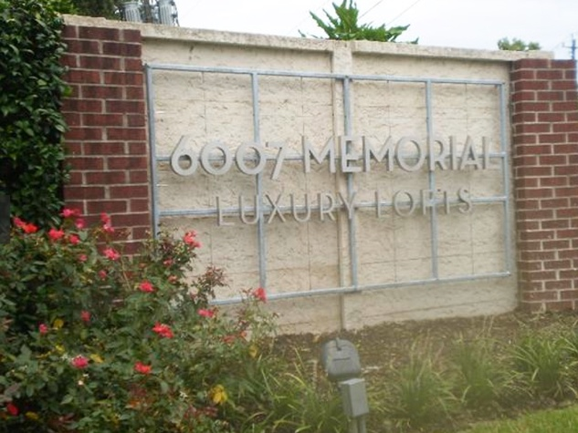 6007 Memorial Lofts sign