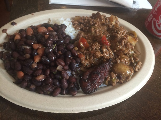 El Gallo Rojo meat and beans