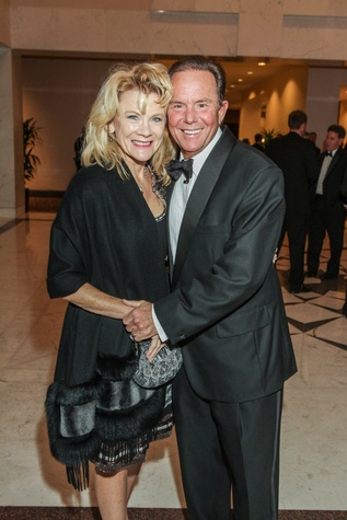 12 Lisa and Jerry Simon at the Houston Baptist University Lou Holtz dinner November 2014