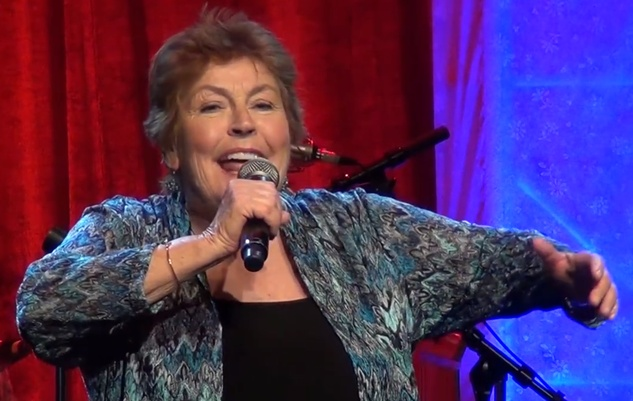 Helen Reddy video in concert