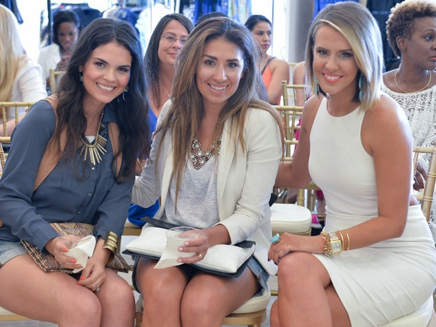 Thais Azevedo Moses, Tori Gonzales, Courtney Kerr, TOOSIES Top Blogger
