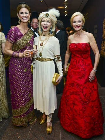 News_Shelby_MFAH Grand Gala ball gowns_Carson Seeligson_Lynn Wyatt_Pat Breen_October 2013
