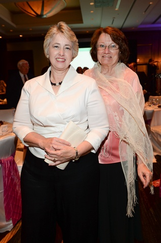 0296 Mayor Annise Parker, left, and Kathy Hubbard at the Virtuosi of Houston Gala May 2014