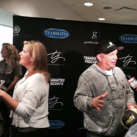 Garth Brooks and Trisha Yearwood at press conference at Toyota Center