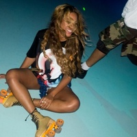 Beyonce at Houston skating rink July 2014