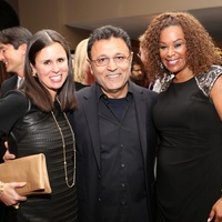 264 Missy Bellinger, from left, Elie Tahari and Deborah Duncan at Catwalk for a Cure November 2013