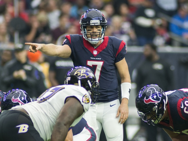 Case Keenum Ravens finger point Texans