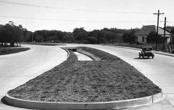 Vintage photos of San Antonio roads pave way to understanding growth