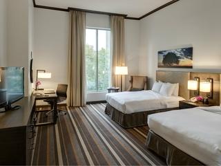 Hilton Park Cities guest room
