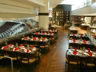 Places_Food_Red & White Wine Bistro_Toyota Center