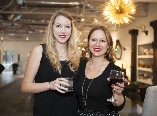 Joan Oexmann, Anna Procter, Uber Party