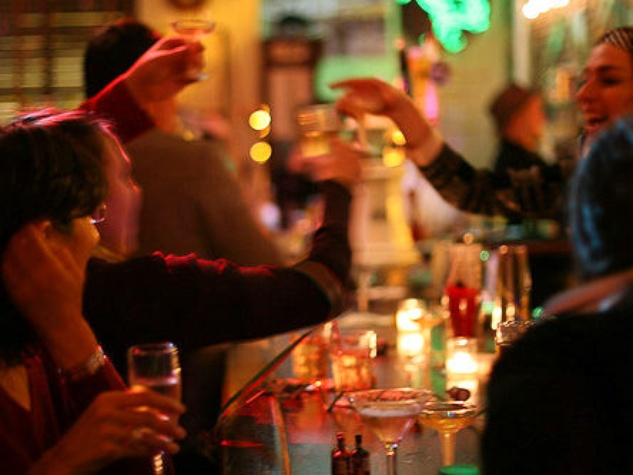 New Year's Eve, toast, cheers, drinks, December 2012