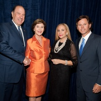 News_National Helping a Hero Gala_Sept. 2011_Chuck Jenness_Laura Bush_Carolyn Farb_David Nini